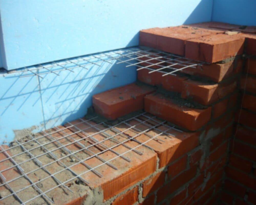 Укрепление кладки при помощи стальной сетки