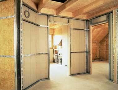 Как построить перегородки в деревянном доме своими руками: из чего их сделать - Обзор + Видео