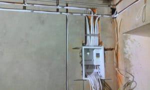 Как проложить электрику в доме своими руками 10