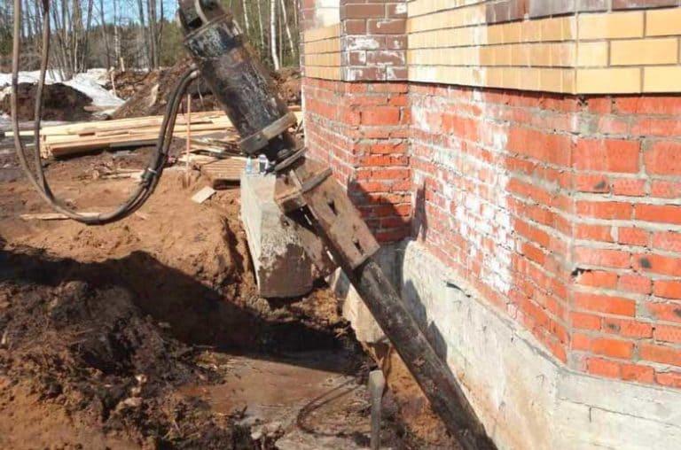 Как сделать ремонт и трещины фундамента