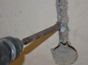Как штробить бетон под проводку и трубы своими руками перфоратором или штроборезом? Пошаговая инструкция + Видео