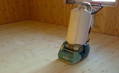 Как выровнять деревянный пол самовыравнивающиейся смесью или фанерой и осб