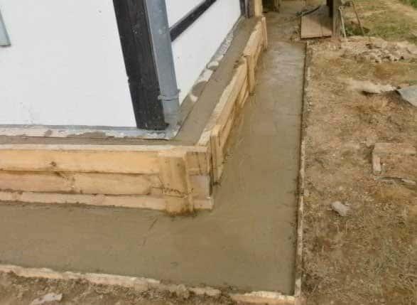 Как сделать ремонт и трещины фундамента старого деревянного дачного или