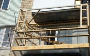 Как отделать балкон профнастилом своими руками? Отделка снаружи и внутри-