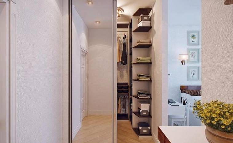 Вариантом планировки гардеробной станет бесхозная ниша