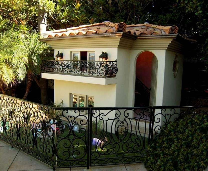 Красивые и оригинальные будки для собаки