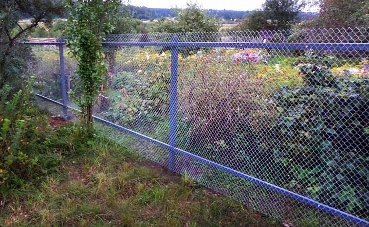 Натяжной забор с использованием направляющих