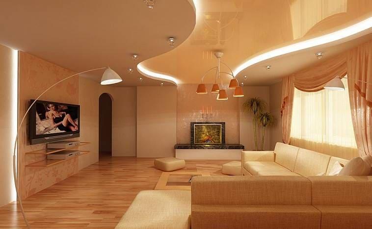 Гостиная с подсветкой на потолке