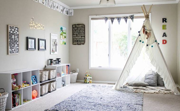 Интерьер детской комнаты с вигвамом