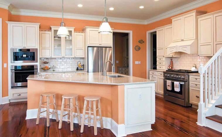 Кухня с пастельной палитрой оттенков