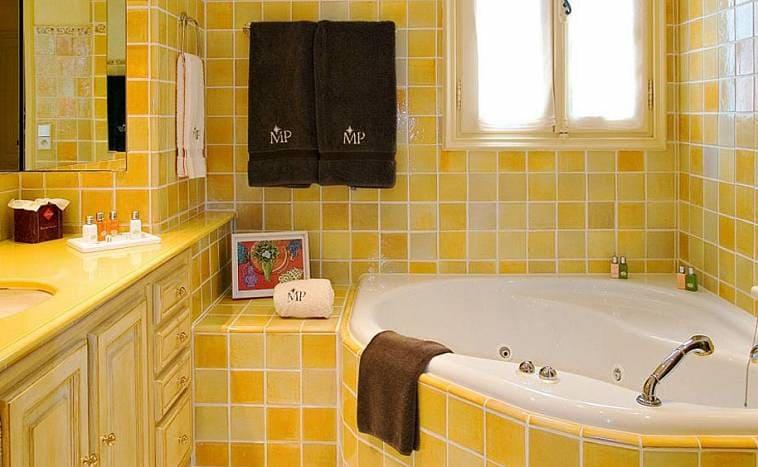 Дизайн ванной комнаты в желтых тонах