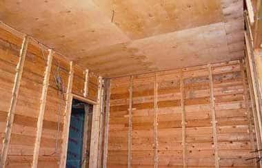 Как обшить фанерой дом внутри, отделка стен и потолков своими