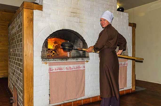Как класть русскую печь с лежанкой и плитой своими руками: