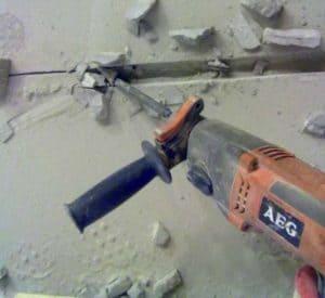 Как штробить бетон под проводку и трубы своими руками перфоратором