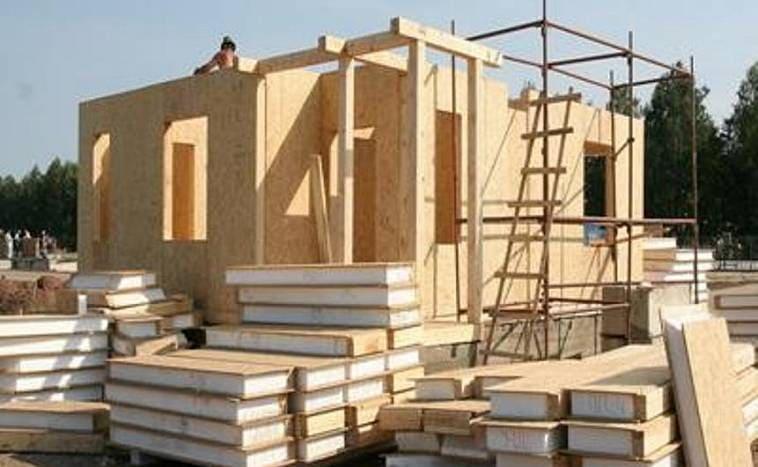Монтаж коробки каркасного дома
