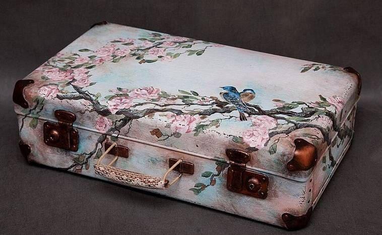 Преображение старого бабушкиного чемодана