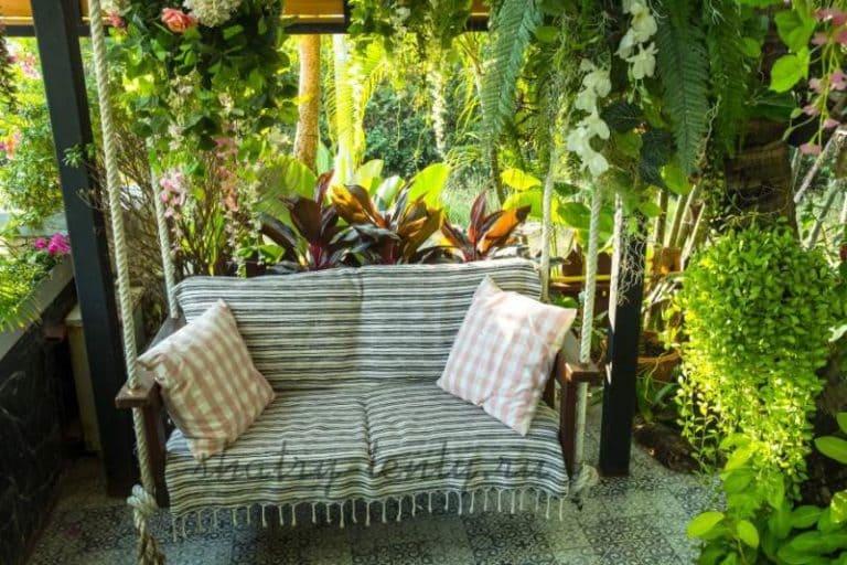 Садовые качели - для дачи, каркасные и бескаркасные, для отдыха 17