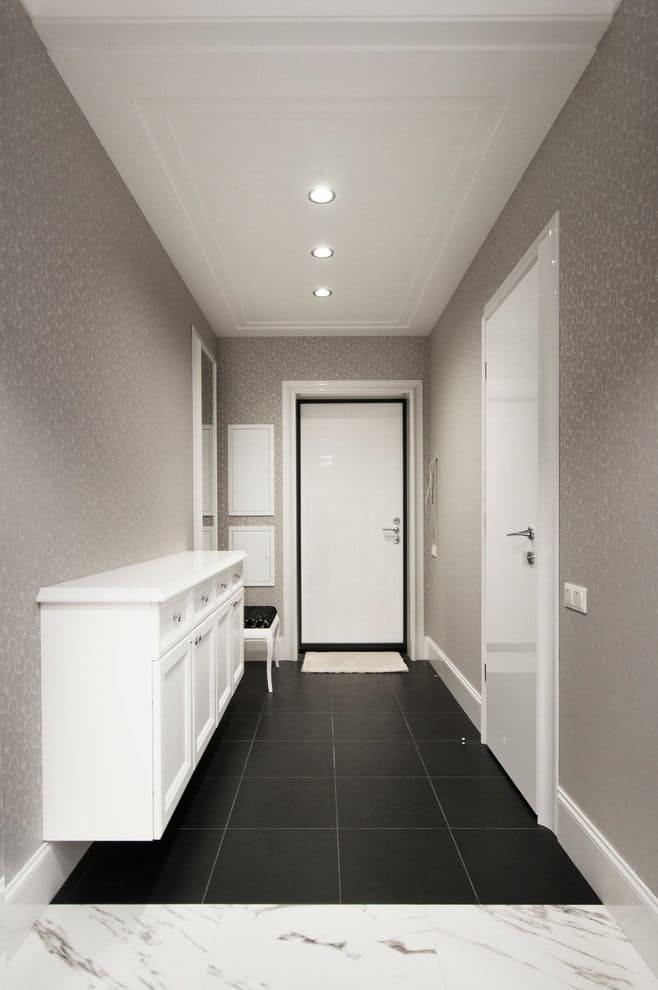 Стены в прихожей - идеи для маленького коридора 24