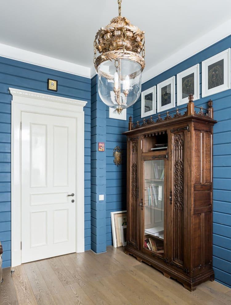 Стены в прихожей - идеи для маленького коридора 26