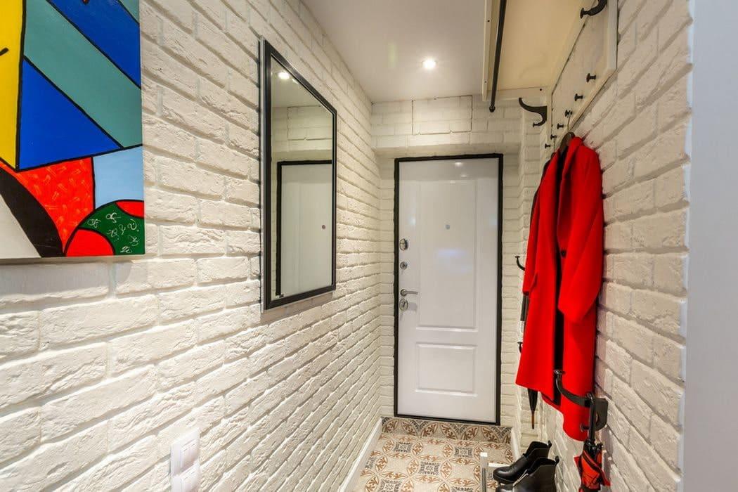 Стены в прихожей - идеи для маленького коридора 34