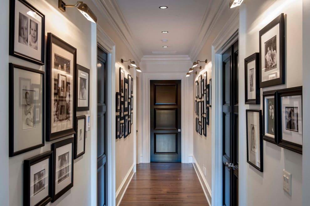 Стены в прихожей - идеи для маленького коридора 56