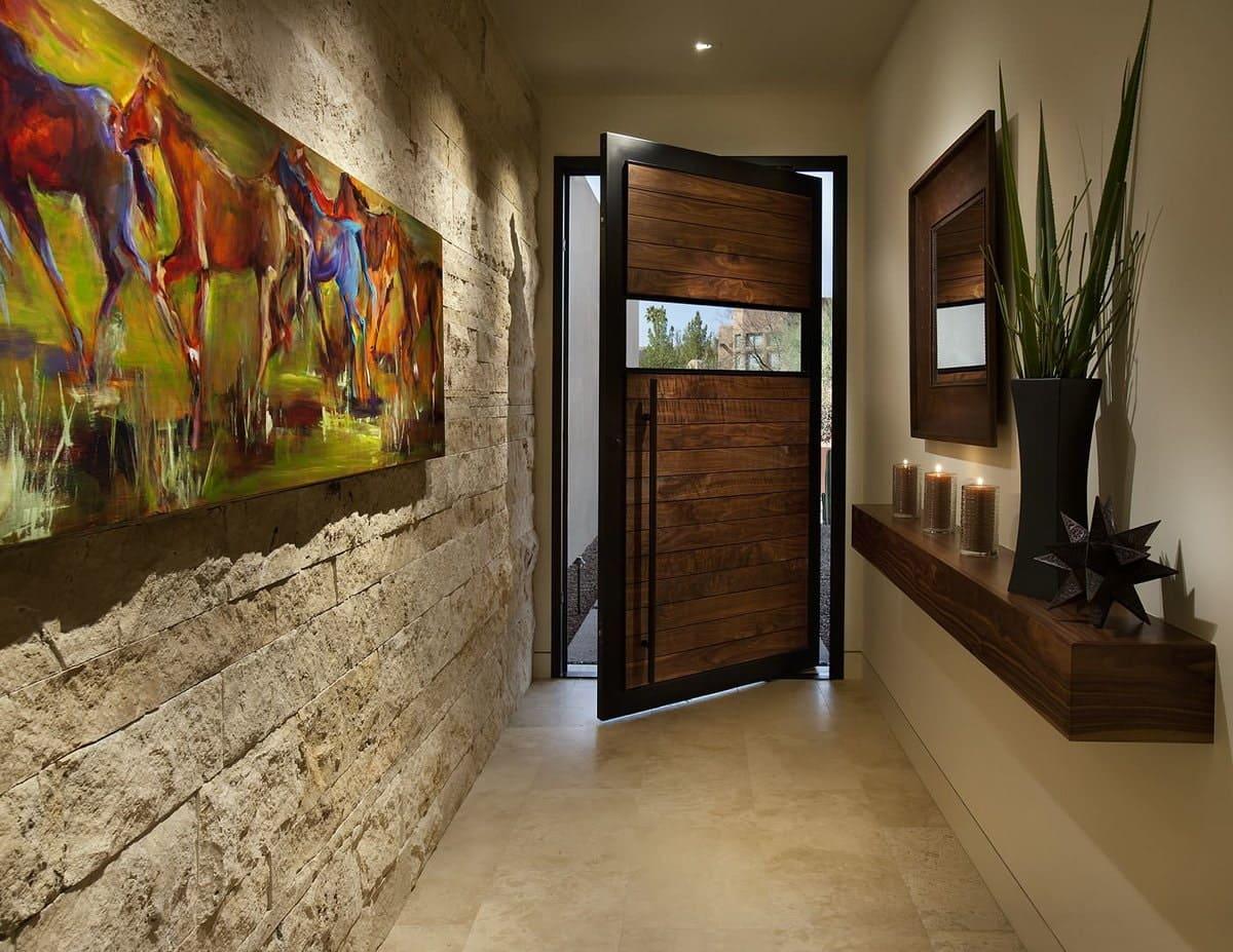 Стены в прихожей - идеи для маленького коридора 77