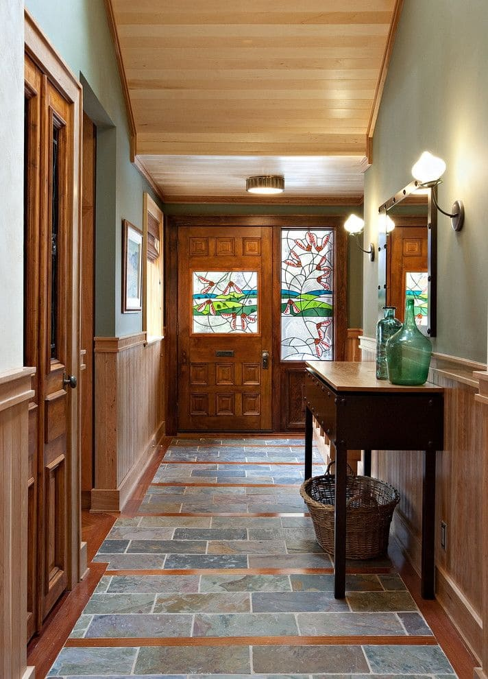 Варианты интерьера в прихожей - камень, ламинат, плитка, фреска 171