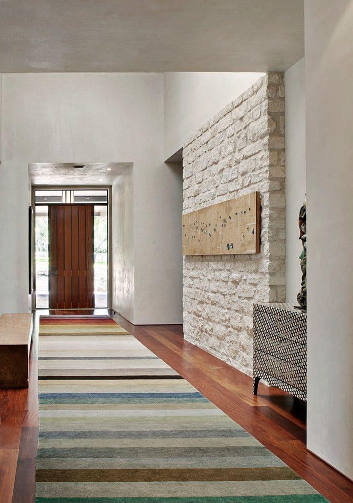 Варианты интерьера в прихожей - камень, ламинат, плитка, фреска 180