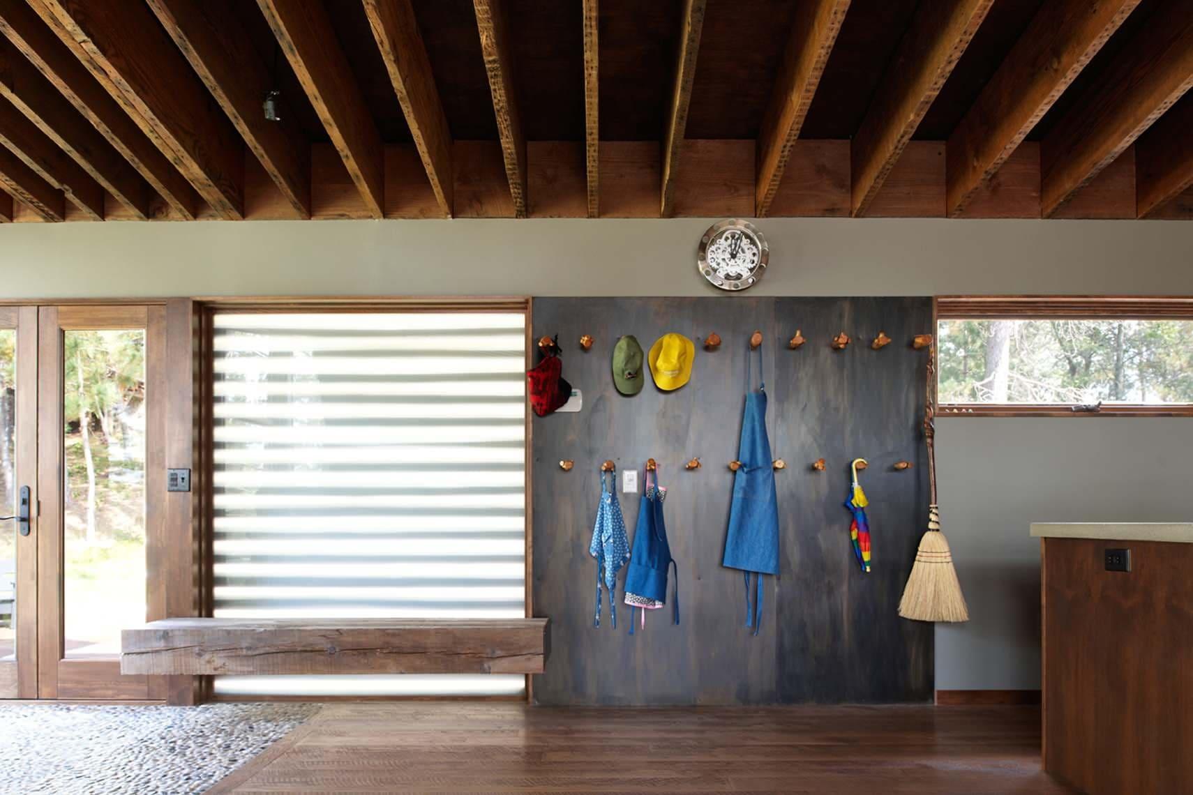 Варианты интерьера в прихожей - камень, ламинат, плитка, фреска 200