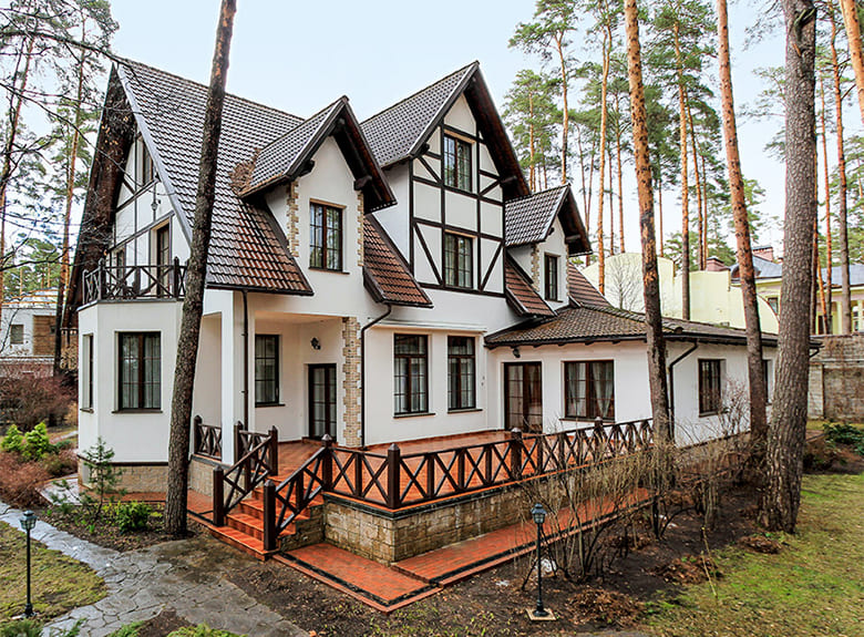 Фото красивых домов и коттеджей в России 012