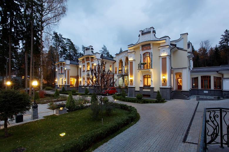 Фото красивых домов и коттеджей в России 049