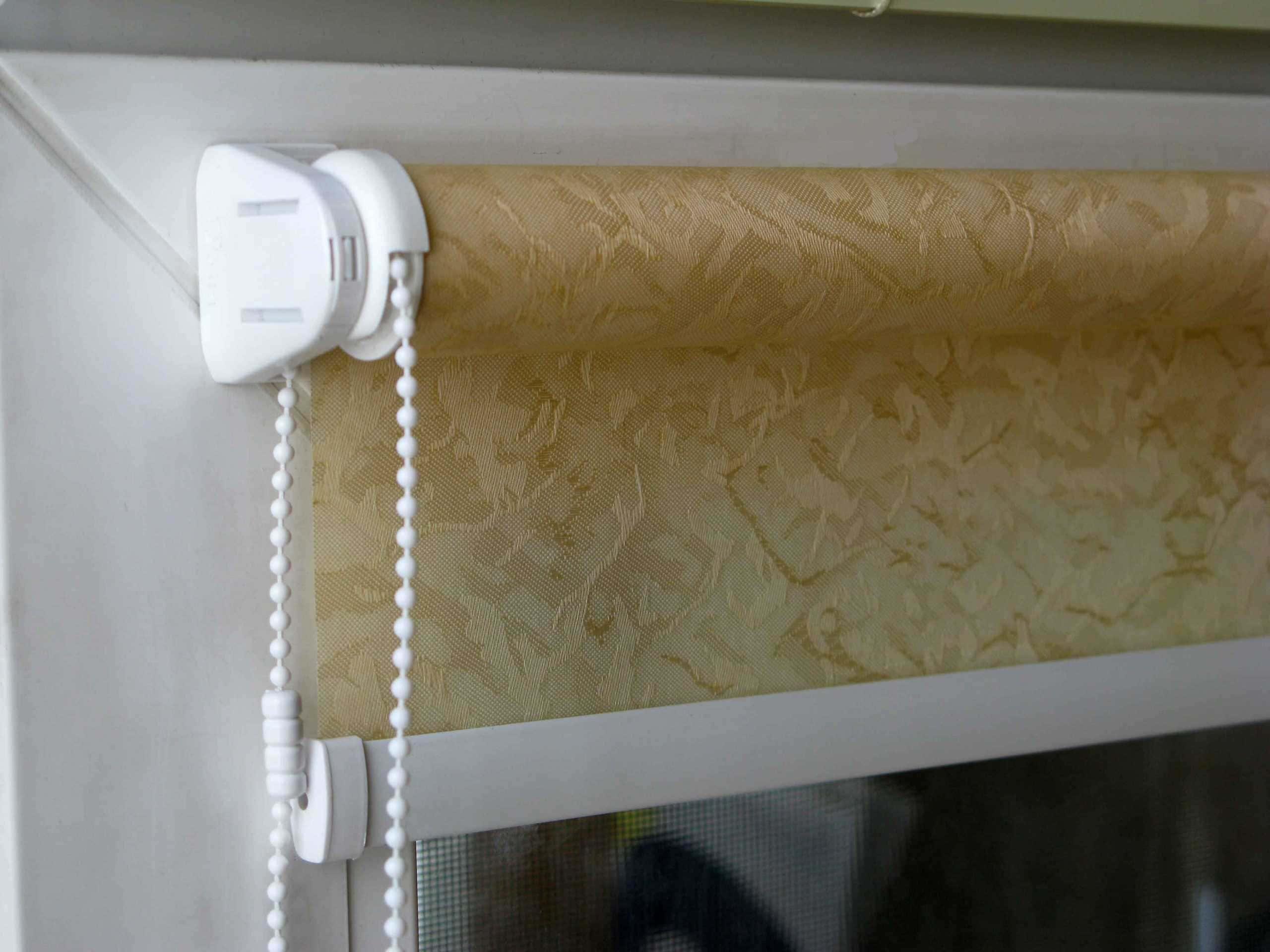 Рулонные шторы - плюсы и минусы установки, выбор материалов 081
